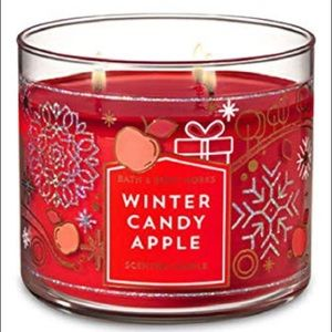 BATH & BODY WORKS WINTER CANDY APPLE CANDLE!